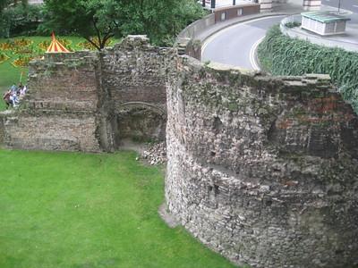 old_london_city_walls_1