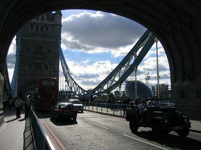tower_bridge_under
