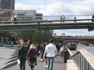 millenium_bridge_view_1