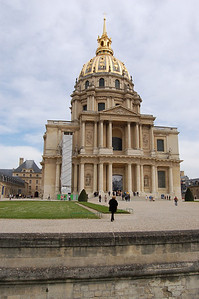 A Military Museum and burial spot of Napoleon.