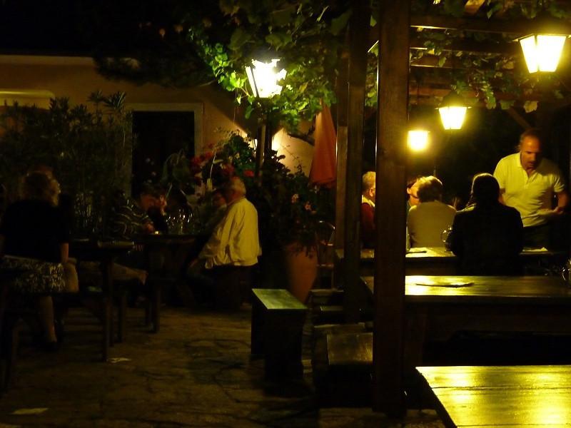 Heuriger Wieninger Wine Tavern
