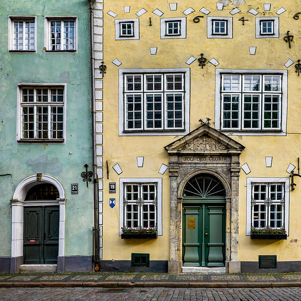 1646 Riga