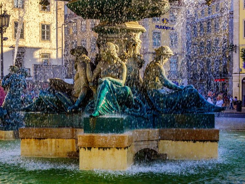 Fountain in Lisbon_DSC00891