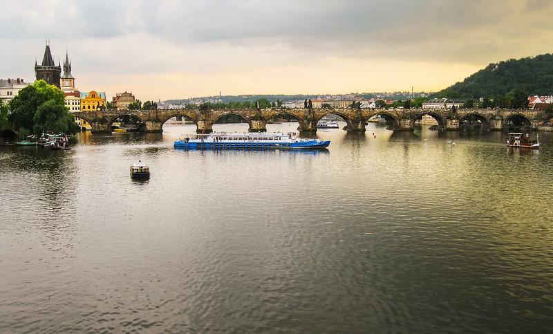 Along the Vltava River 7, Prague_2352 SS