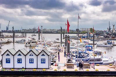 HAMBURG: Harbour Walk