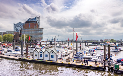 HAMBURG: Harbour Scene