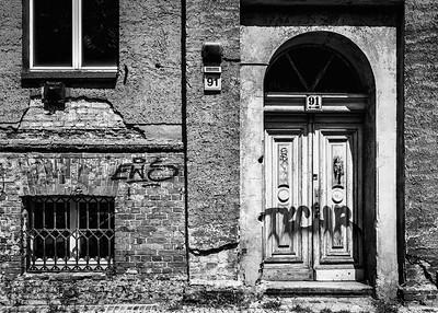 BERLIN: derelict house, East Berlin