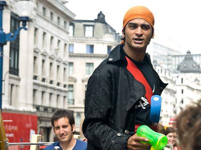 London: Impromptu Hijacking