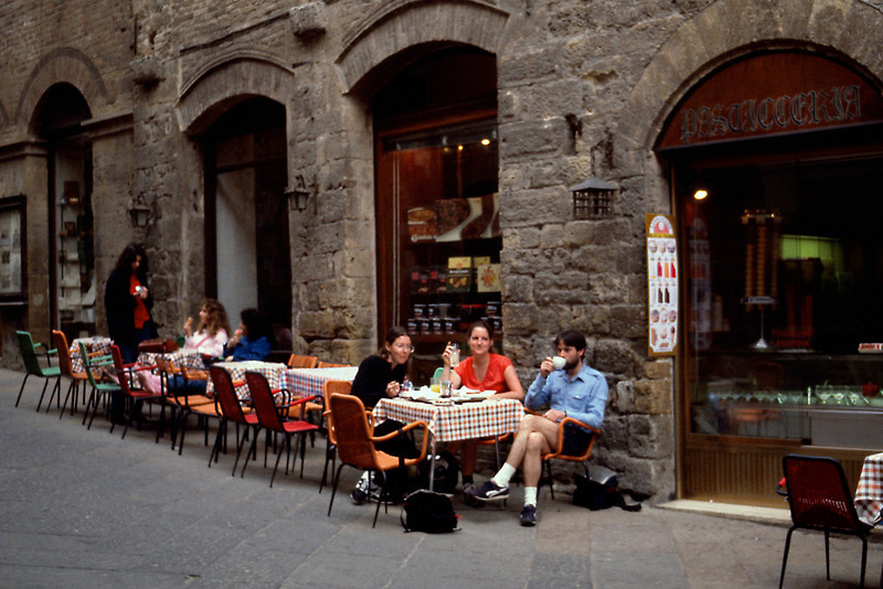 San Gimignano Sidewalk Cafe<br /> <br /> Day 11 - April 21 - We splurged at a sidewalk cafe for lunch: personal sized pizzas followed by chocolate pie and espresso.
