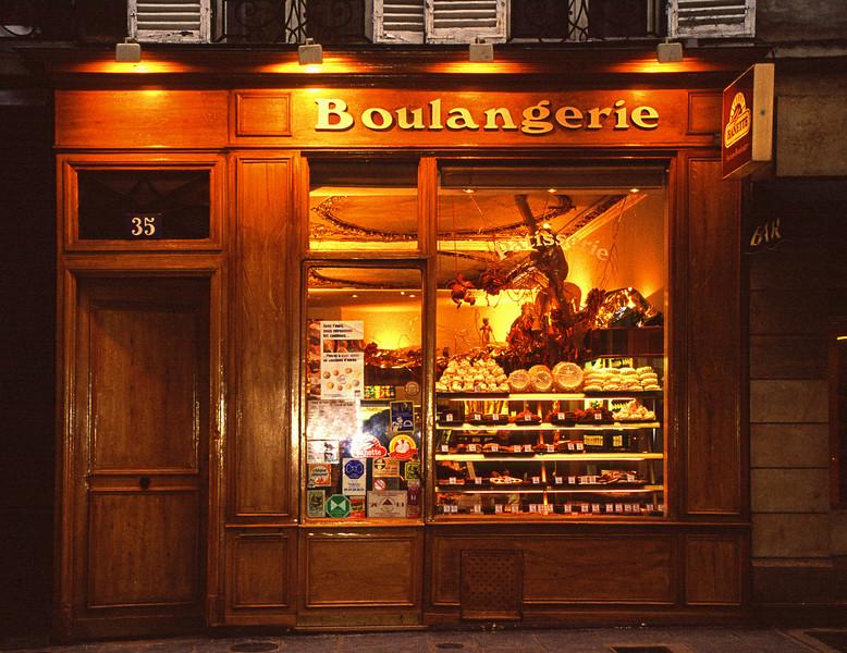 Boulangerie, Ile St-Louis, Paris, 2002