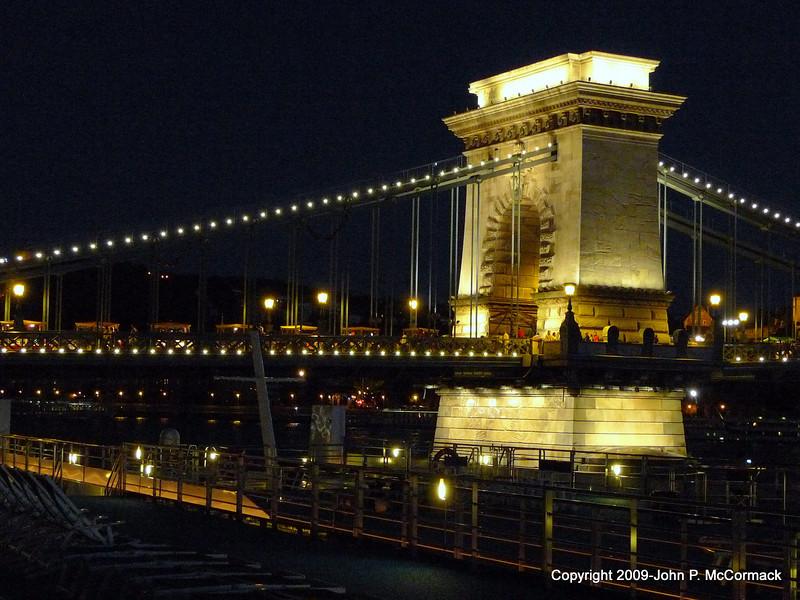 Budapest at night, Chain Bridge