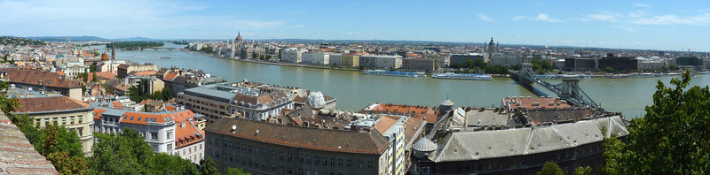 Panoramic view of Budapest from Buda. Click Original (O) size for larger view.