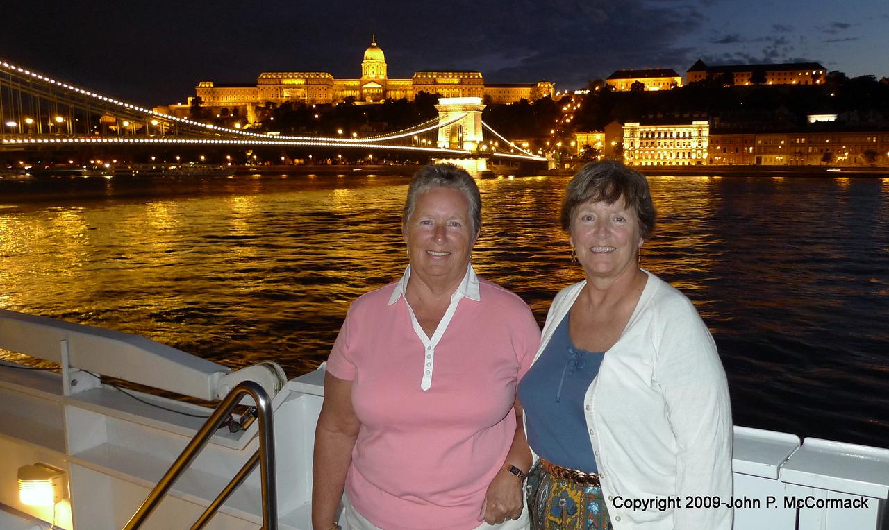 Pat & Nini, first night on the boat