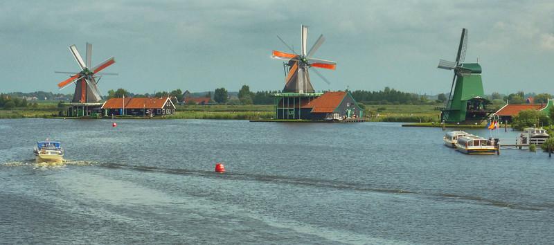 Windmill on the river Zaan