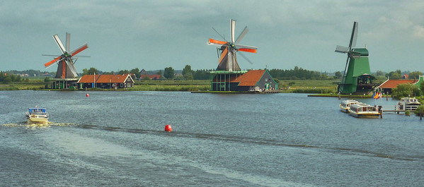 Windmill on the river Zaan