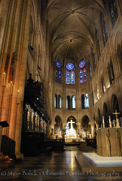 The main chapel in Notre Dame.
