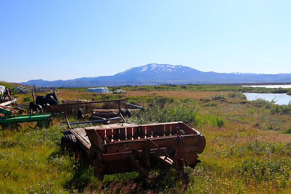 Hekla volcano from a distance