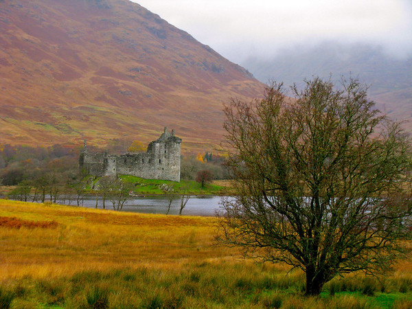 Kilchurn Castle Loch Awe, Scotland November 2008