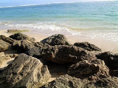 Kaaawa beach rocks