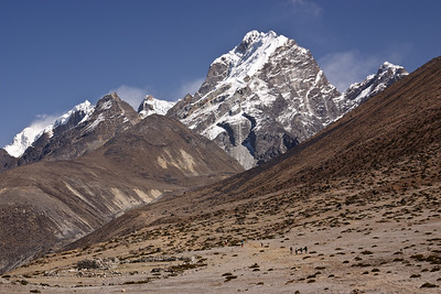 Approaching Lobuche and the Khumbu Glacier
