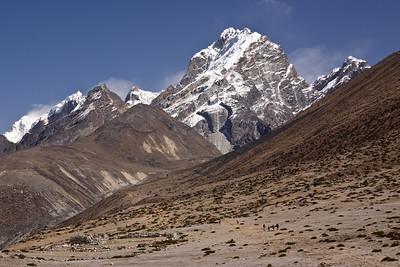 Approaching Lobuche and the Khumbu Glacier