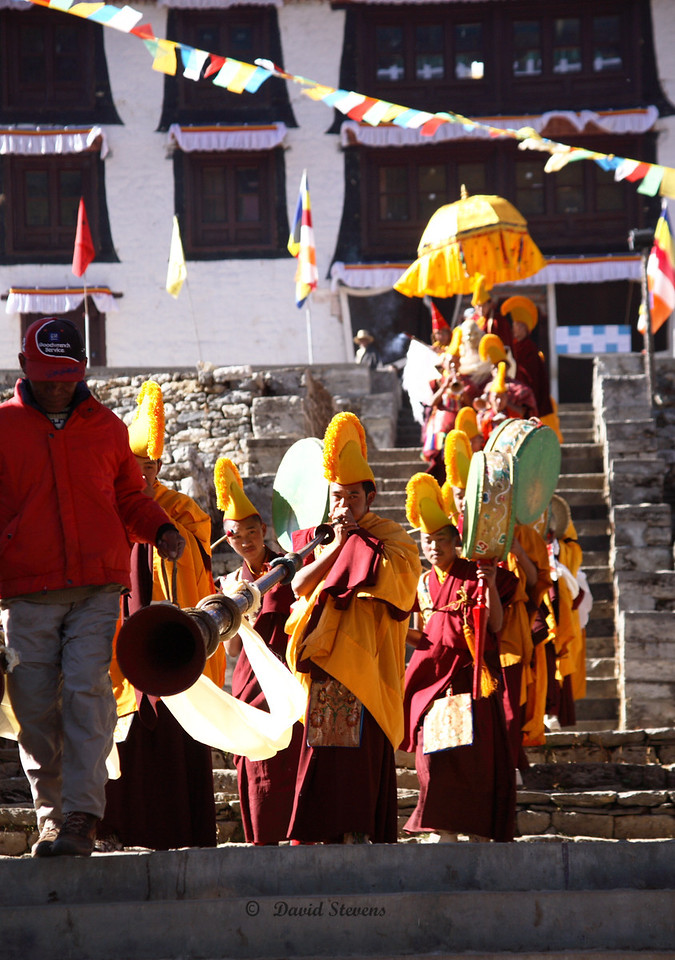85 Procession with horns