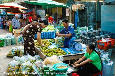 Burmese market