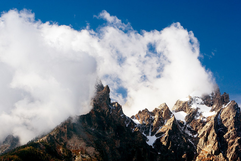 GRAND TETON PEAK SHROUDED IN SNOW CLOUDS