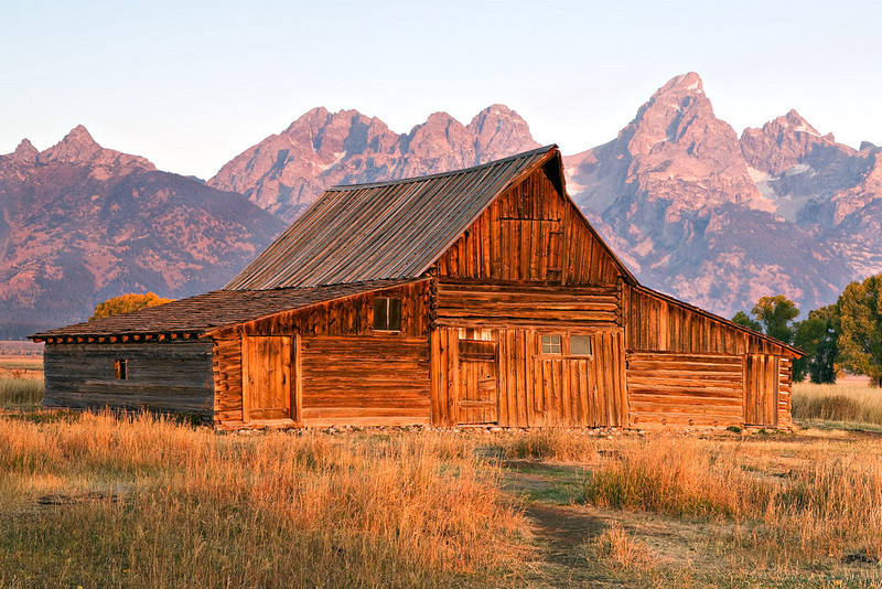 MORMON'S ROW BARN