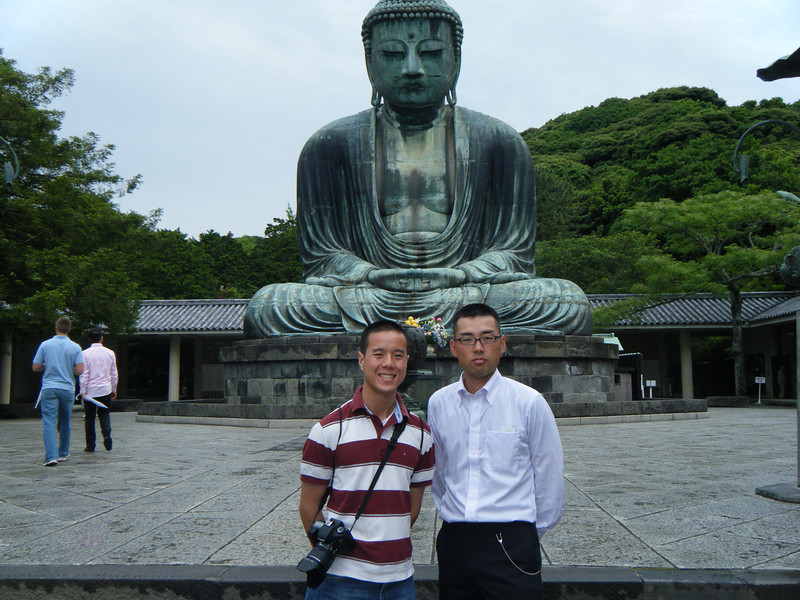 I pose with my running mate, Egawa Takeshi, in Kamakura.