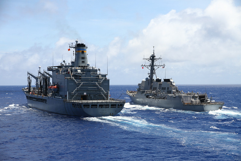 USS Lassen (right) recieves fuel from USNS Walter S. Diehl