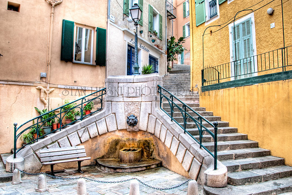 LION HEAD FOUNTAIN, PLACE DU CONSEIL, VILLEFRANCHE-SUR-MER, FRANCE