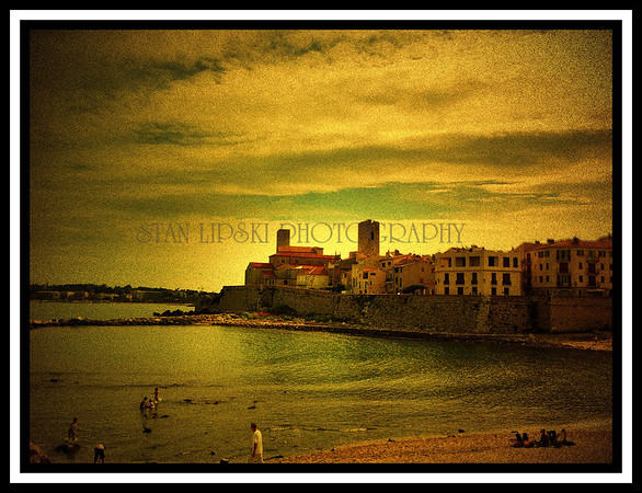 """SWIMMING BY THE WALL"", PLAGE DE LA GRAVETTE, ANTIBES, FRANCE"