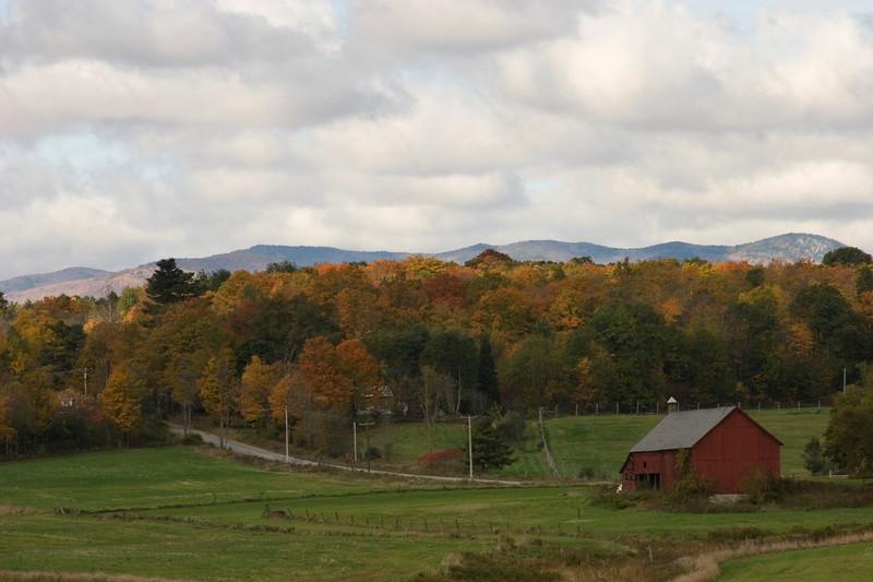 Fall color & barn in the Adirondacks