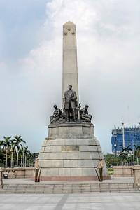 Manila_Jose Rizal Statue-1