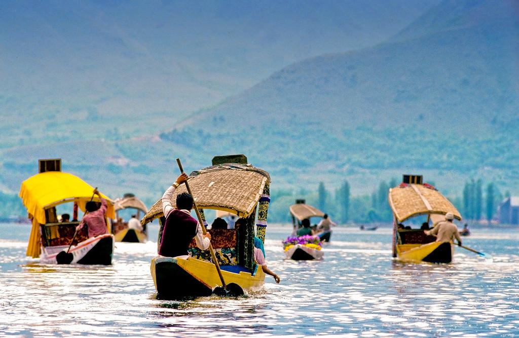 Lake Dal Commute - Srinagar