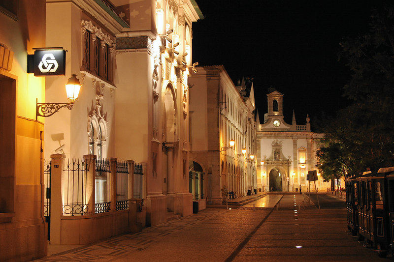 The guidebook rated Faro 1 star...  We thought it was beautiful and worth 4.