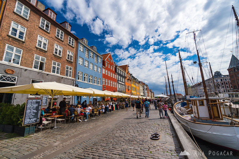 A beautiful sunny day in the Nyhavn area of Copenhagen