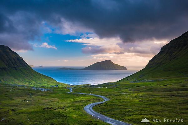 Dramatic sunset in Norðradalur