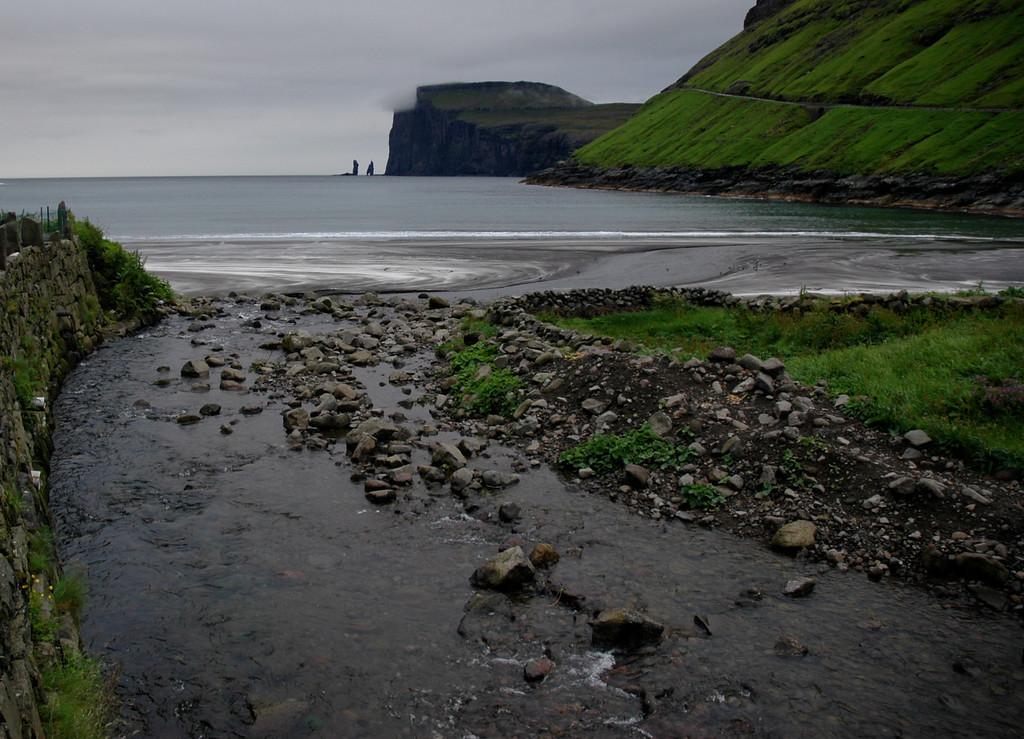 view of Risin & Kellingin from Tjørnuvík
