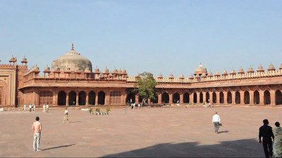 Short video clip of Fatehpur Sikri (Hindi: फतेहपुर सीकरी, Urdu: فتحپور سیکری) is a city and a municipal board in Agra district in the state of Uttar Pradesh, in North India. The historical city was constructed by Mughal Emperor Akbar beginning in 1570 and served as the empire's capital from 1571 until 1585.