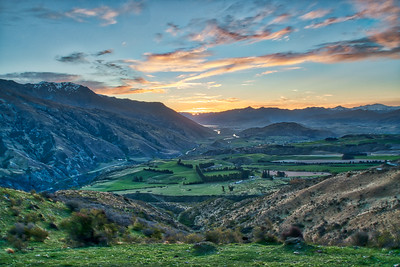 Sunrise near coronet peak looking toward Arrowtown.