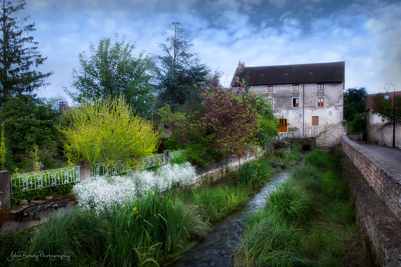 A Centuries Old Rustic Farmhouse in the Countryside South of Paris