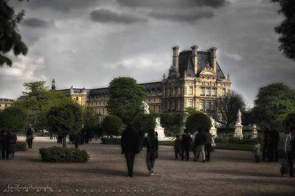 Museum Visitors Strolling Through The Tuileries and the Louvre Grounds - JohnBrody.com / John Brody Photography