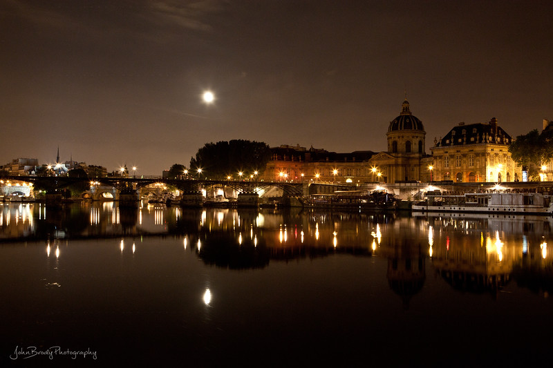 River level view of several bridges, the Pont des Arts, Pont Neuf, and a dozen others - JohnBrody.com / John Brody Photography
