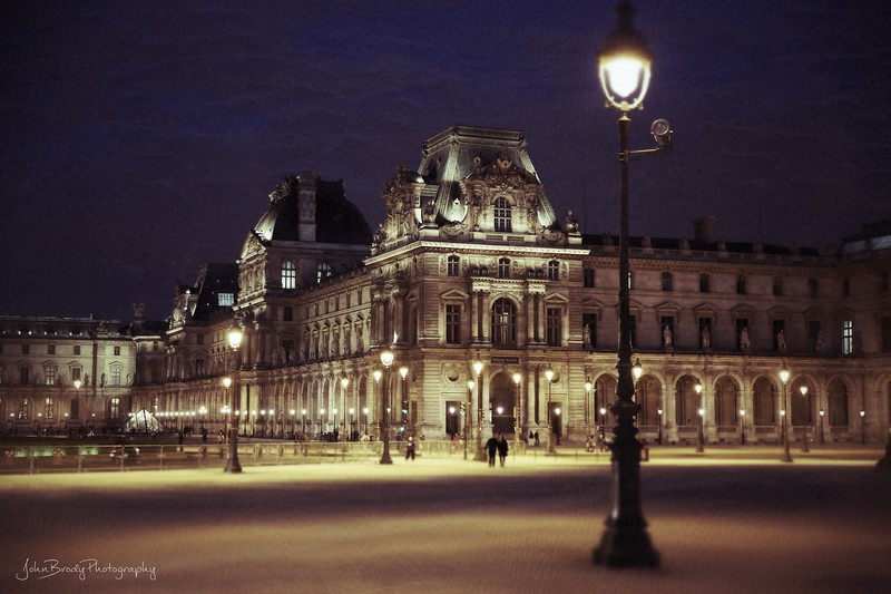 Low key shot of the Louvre at dusk - JohnBrody.com / John Brody Photography