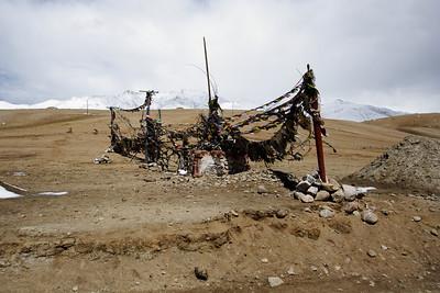 Taken at Latitude/Longitude:33.383773/78.820917. 7.94 km North-West Gandpa Gömpa Kashmir India  (Map link)