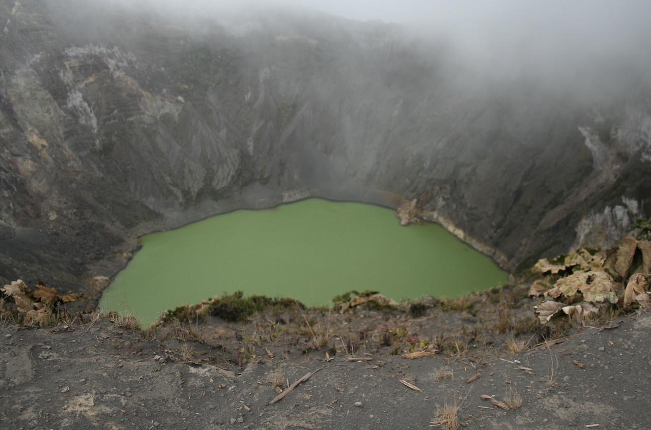 The lake near the volcano...<br /> <br /> El lago cerca del volcan...