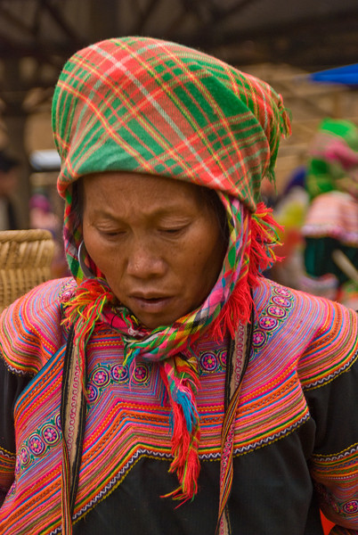 Flower Hmong at the Market -0324