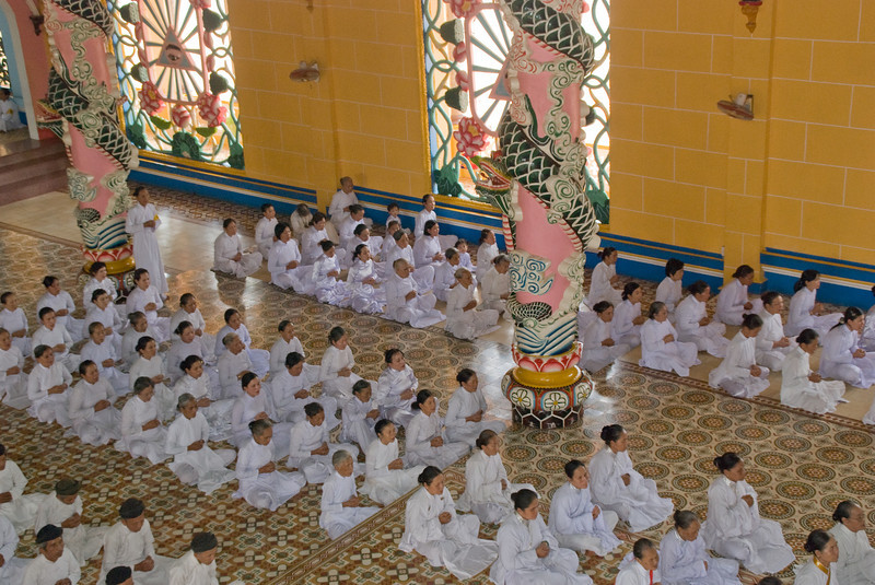 Cao_Dai_Temple-2386